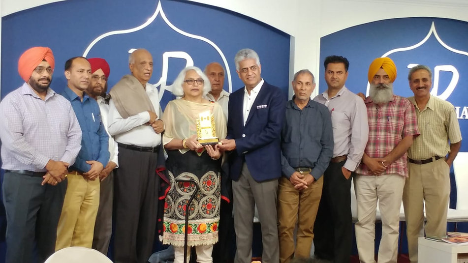 The daughter and the son-in-law of Shaheed Bhagat Singh's brother Kulbir Singh welcomed and honoured at the Punjab Bhawan.