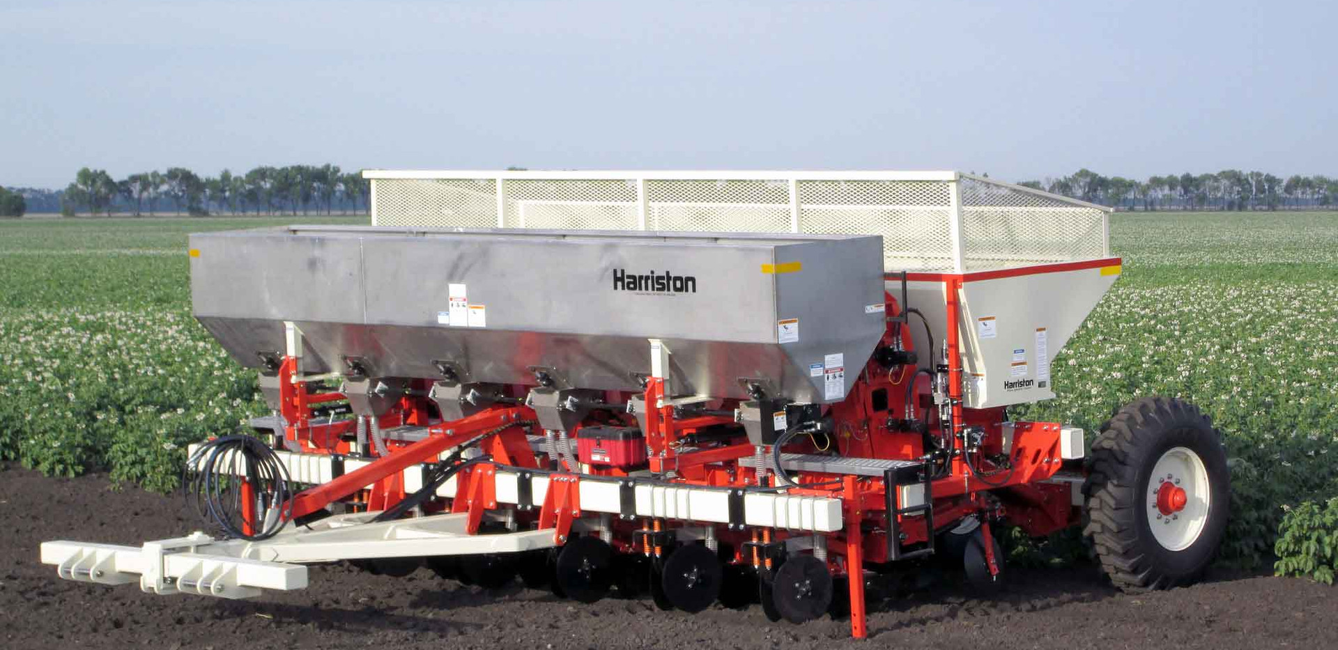 Harriston Cup Planter With Dry Fertilizer
