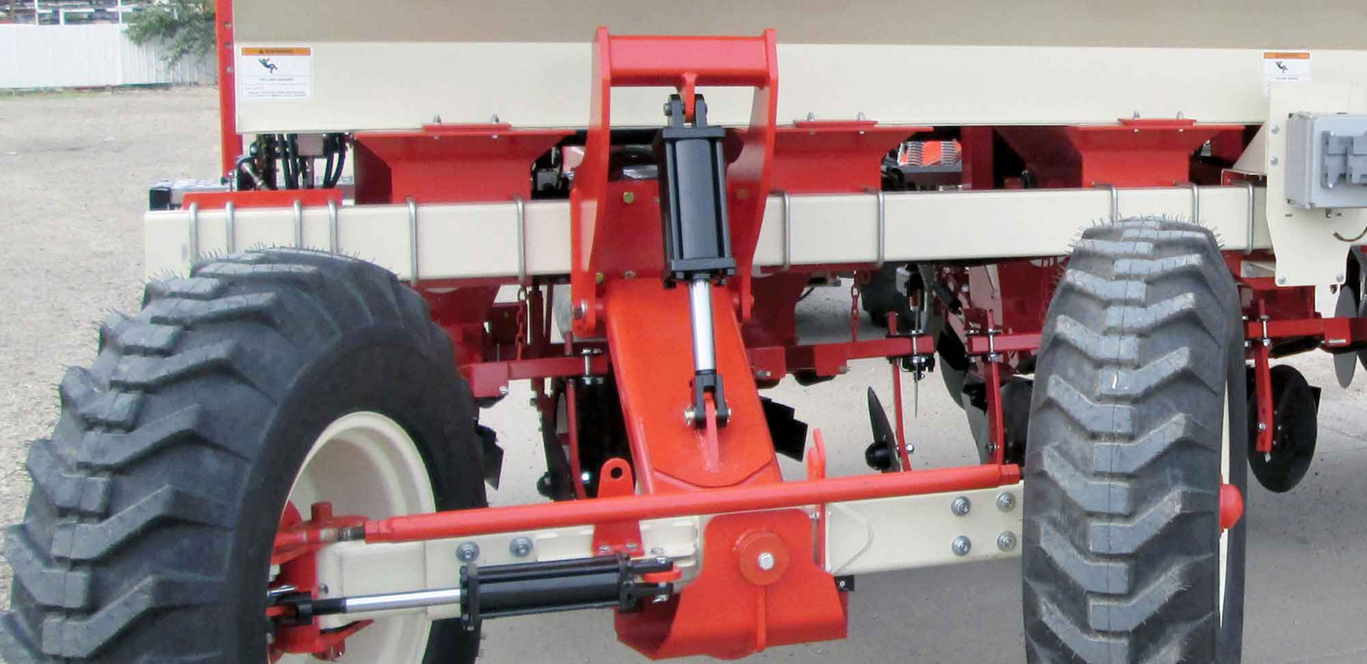 Harriston Clamp Planter Steering Axle.jpg