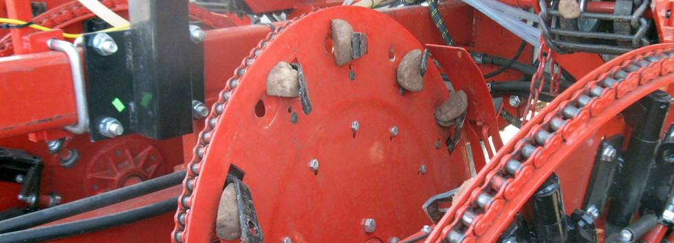 Harriston Clamp Potato Planter - High Accuracy and High Speed