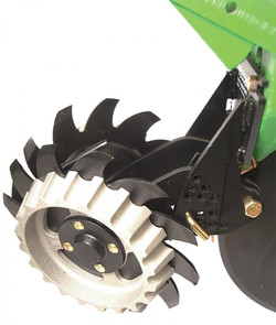 Yetter 2967 Short Floating Residue Managers JD Corn Planters
