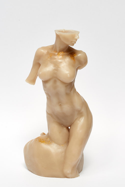 Bitten by Eve - CAMEL LUX sculpture candle