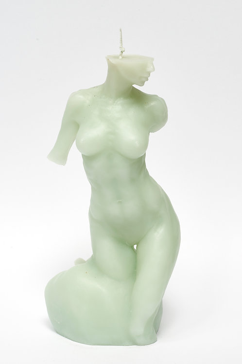 Bitten by Eve - FRESH MINT sculpture candle