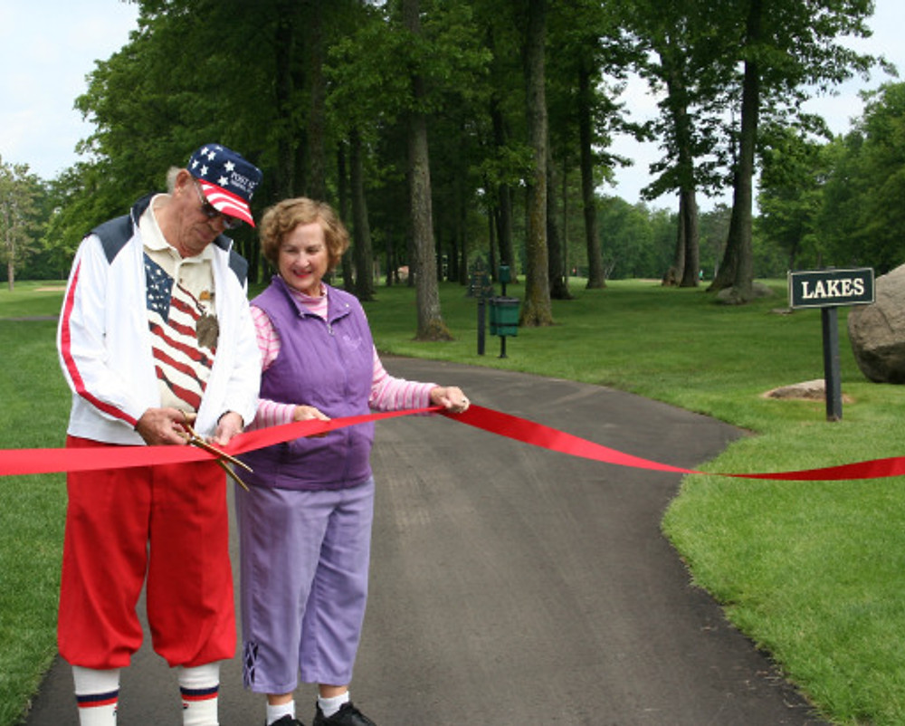 Fred & Mary Cutting the Ribbon