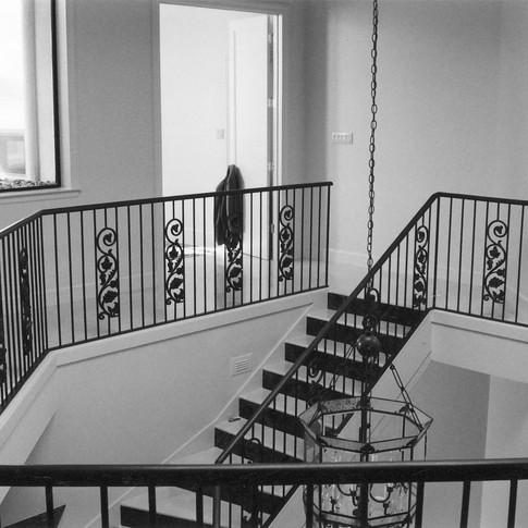 MV entry staircase foyer