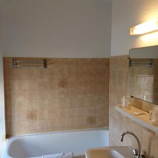 salle de bain hotel du languedoc