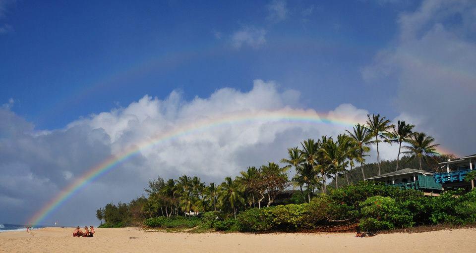 Rainbow state - dvojitá duha nad Banzai Pipeline