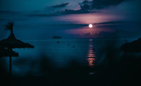 sea in the night - playa de muro, beach Mallorca