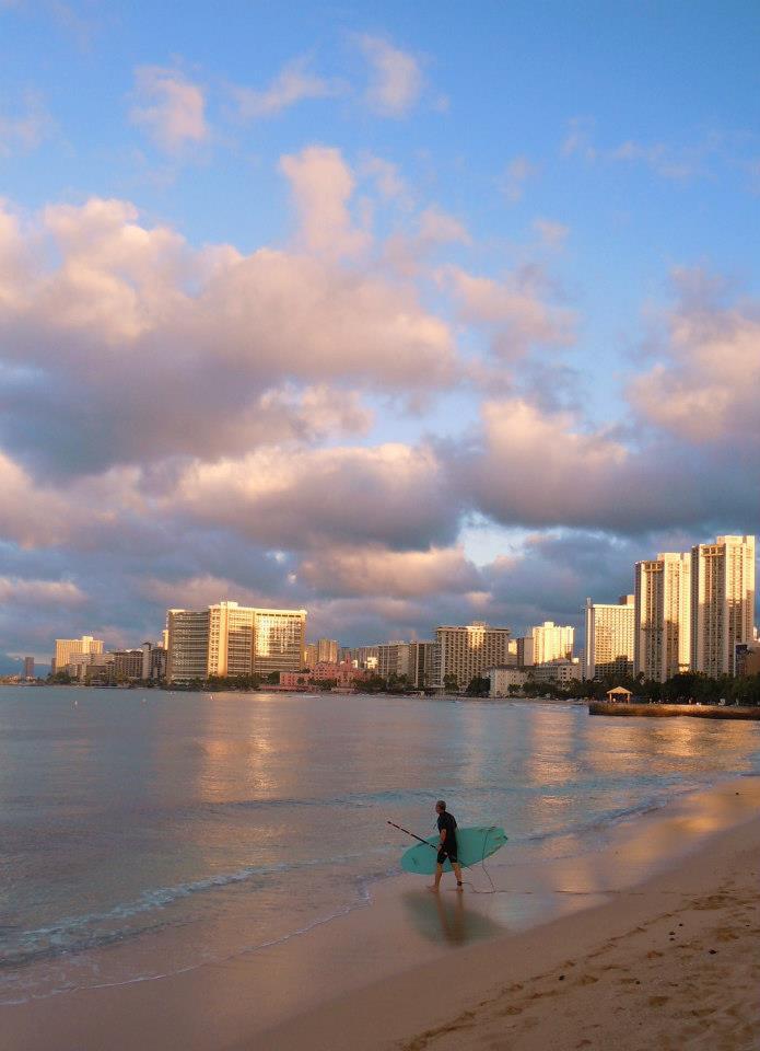 Nad Waikiki se rozednívá