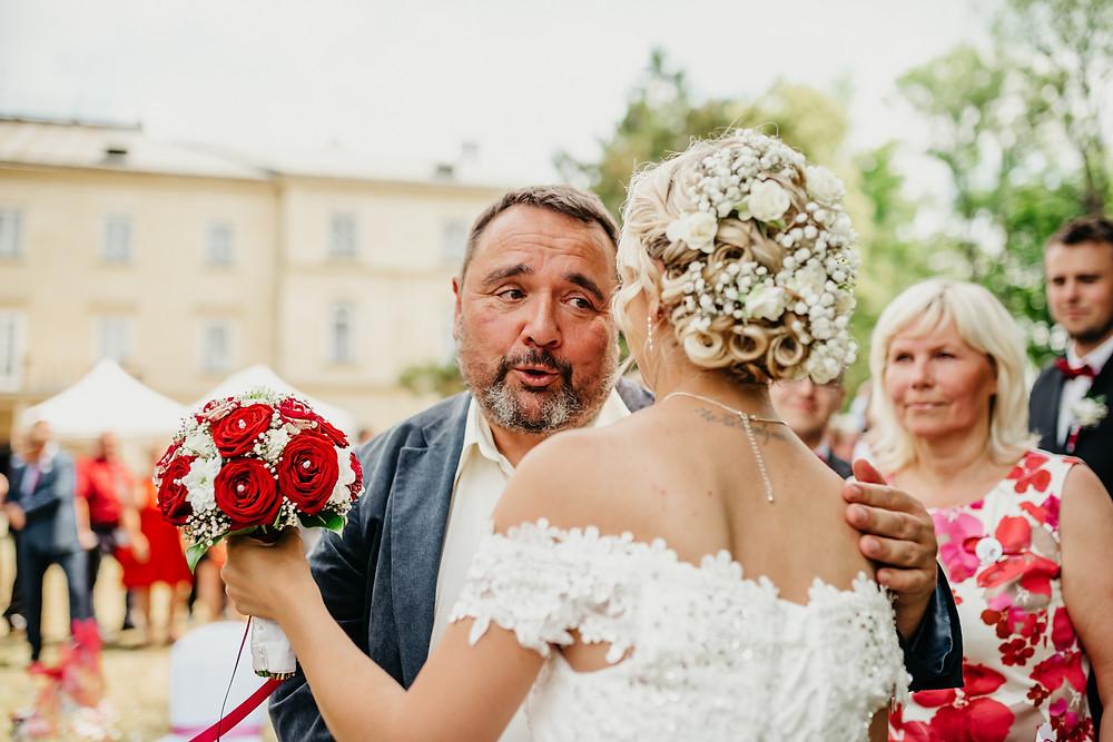 svatba svatební focení fotografka hradec králové czech wedding photographer kiss