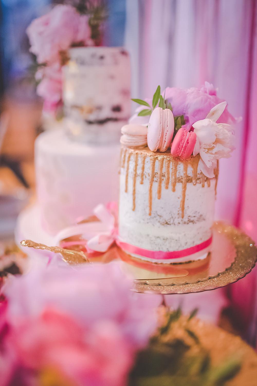 so many delicious cakes!