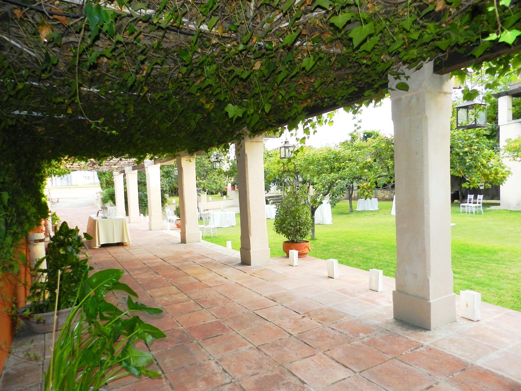 Torre Palomar foto jardin emparrado