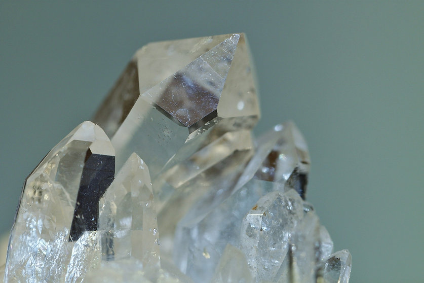 rock-crystal-397955_1920_edited.jpg