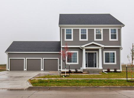 402 SW Prairie Trail Pkwy, Ankeny IA   $435,000