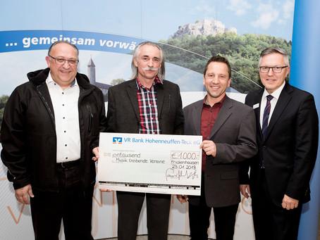 Spendenübergabe VR Bank Hohenneuffen-Teck eG an die musiktreibende Vereine in Großbettlingen