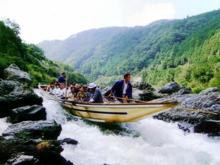 【保津川下りとトロッコ列車 観光バスツアー】並ばずスムーズに乗船&乗車!嵐山散策も