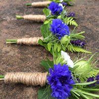 Buttonholes, wedding flowers, natural wedding flowers, seasonal Scottish wedding flowers
