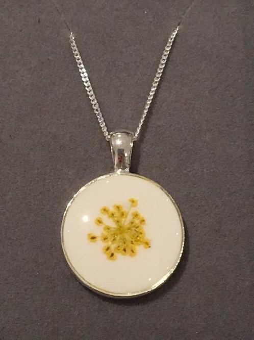Ridolfia Flower Resin Pendant