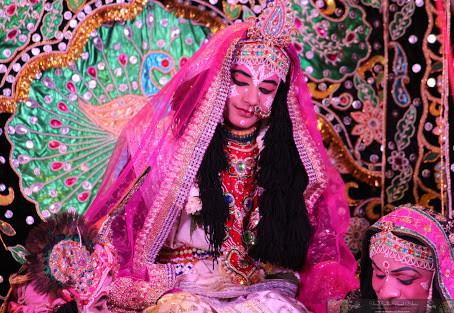 Apasampradayas: What can we learn from them? Part 1, the prakrta-sahajiyas