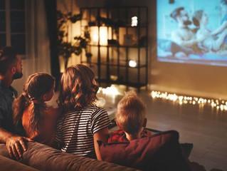 お!客室がミニシアターに!!秋の夜長は映画やライブを満喫しよう♪