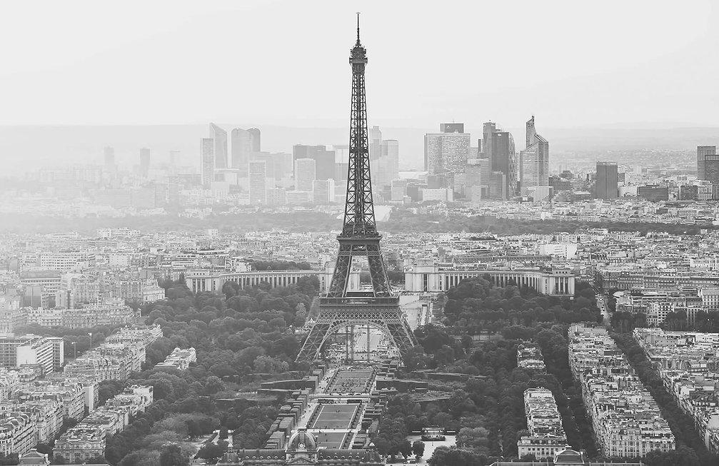 greyscale-paris-wallpaper-city-plain.jpg