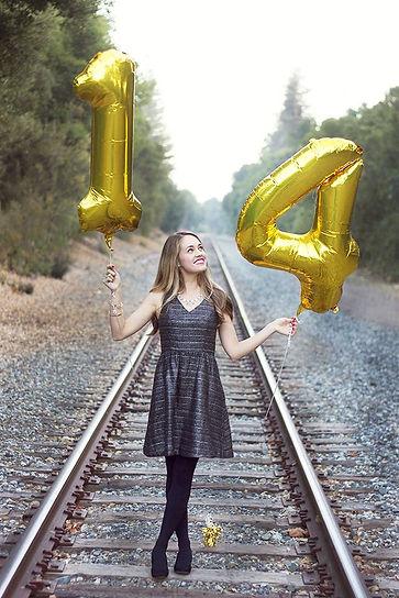 идеи для фотографии, фото на выпускной, выпускной, шарики, шарики в виде цифр