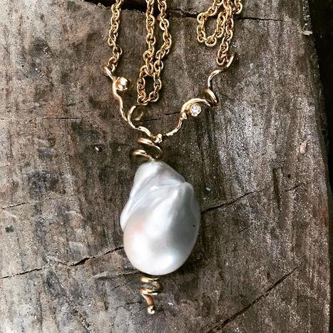 barokperle vedhæng, perlevedhæng med diamant, unikt perlevedhæng, alguld