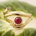 Guldring med RUBIN OG BRILLANT. ALGULD, forlovelsesring, rubinring, unik guldring, vielsesring, guldsmed århus