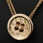 vedhæng i guld med diamanter alguld