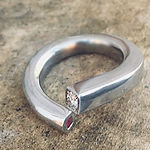 rubinring, alguld, diamantring, brillantring, hvidguld diamant, alguld, håndlavet ring, guldsmed aarhus