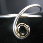 sølv armbånd med grøn turmalin, alguld, armring med sten, turmailn, grøn turmalin, håndlavet armring