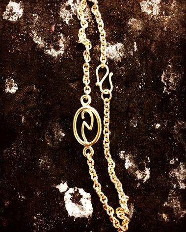 Logo i guld unika vedhæng alguld