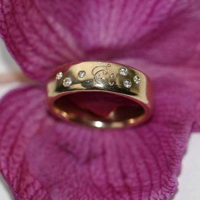 gammelt guld nyt design omsmeltning af guld, bioguld, genanvendt guld, alguld, sælg guld, ny ring af gammelt guld, guldsmed aarhus, omsmelt guld