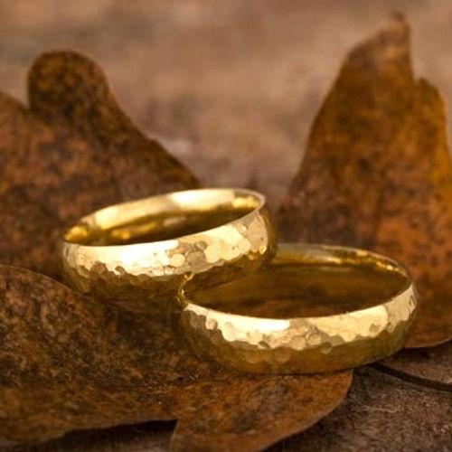 hamret guld vielsesringe hammerslået guldring