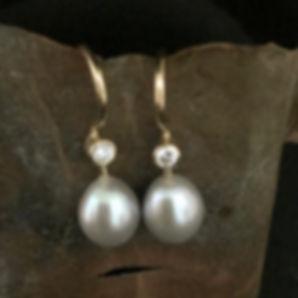 kulturperler alguld, perleøreringe med diamant, perle brillant ørering,