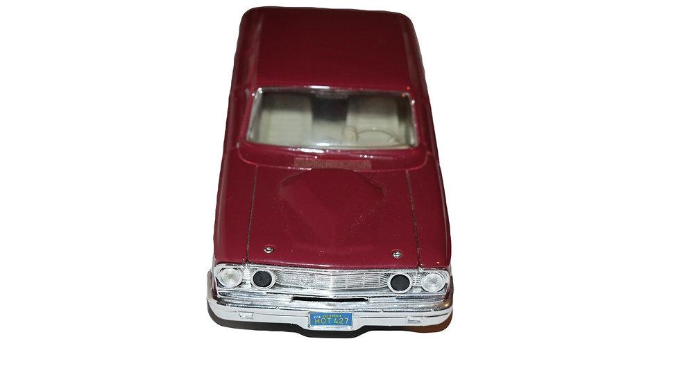 Maisto 1964 Ford Fairlane Thunderbolt