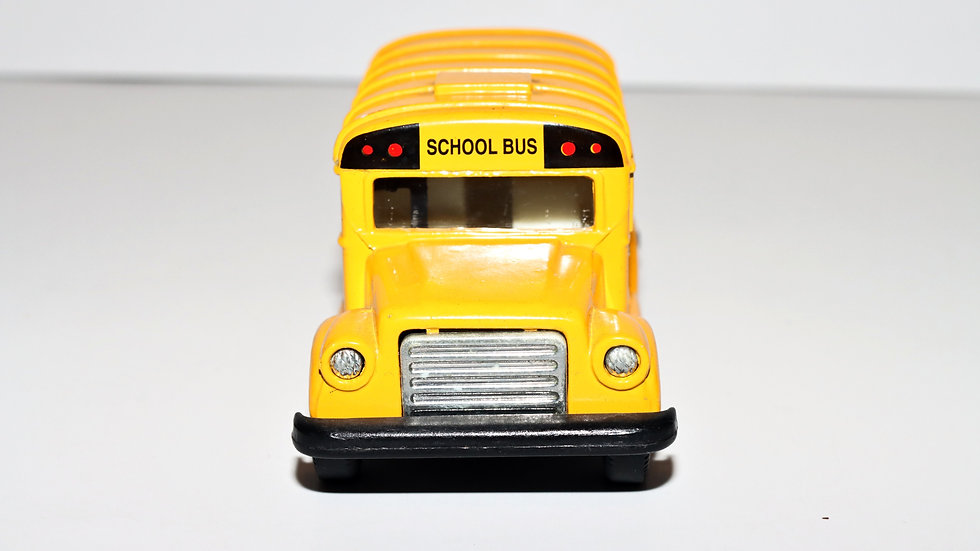 Unbranded Shorty School Bus Diecast 1:36
