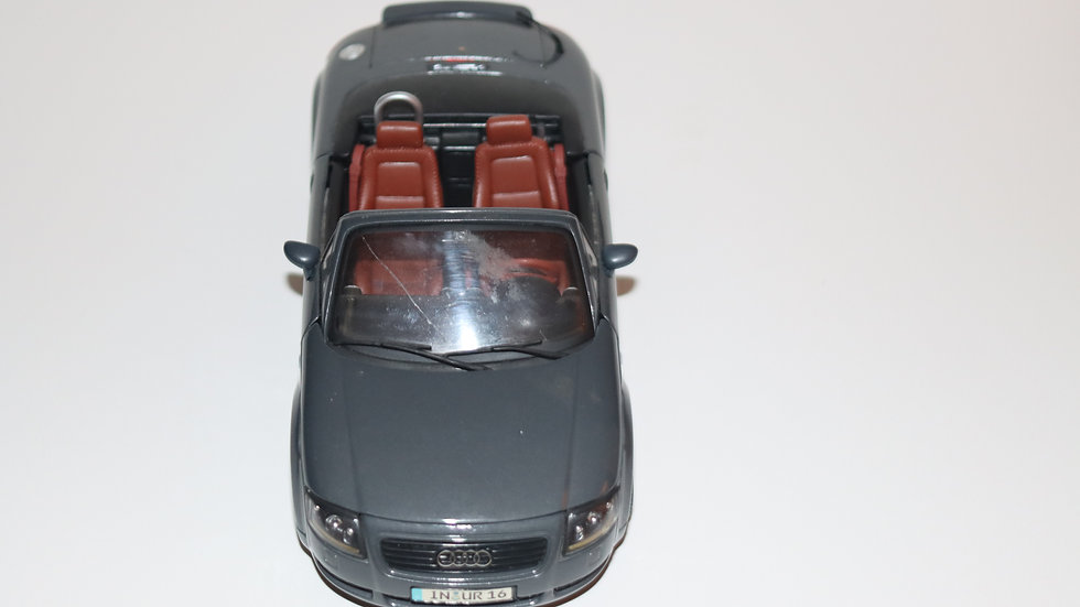 Maisto Vintage Audi TT Roadster