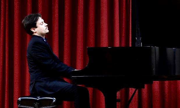 Vladimir Tiagunov pianist