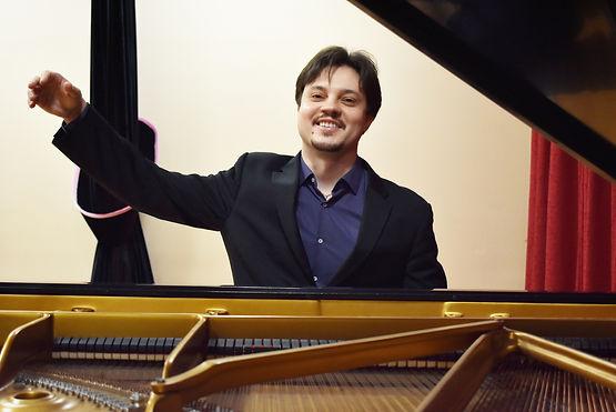 Vladimir Tiagunov at Music Without Borders