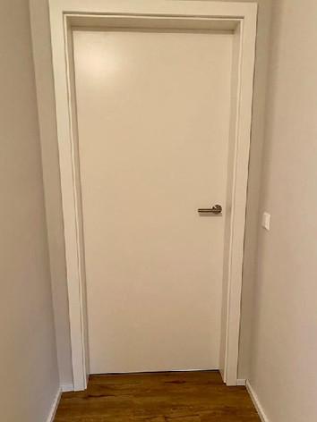 Weißlacktür ohne Schlüsselloch