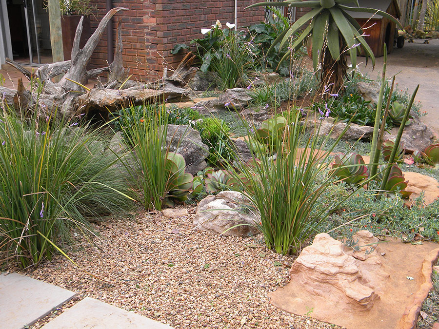 Water feature in a gravel scape