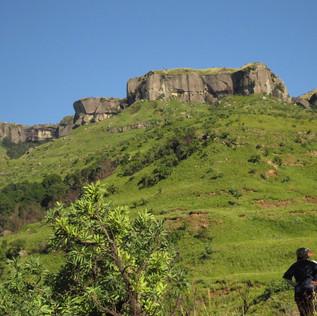 Daily hikes through the Drakensberg