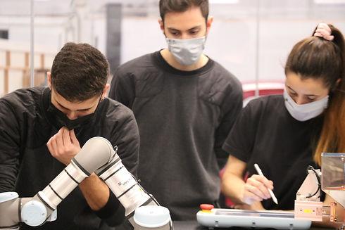 Automatizaciขn y Robotica Industrial (3)