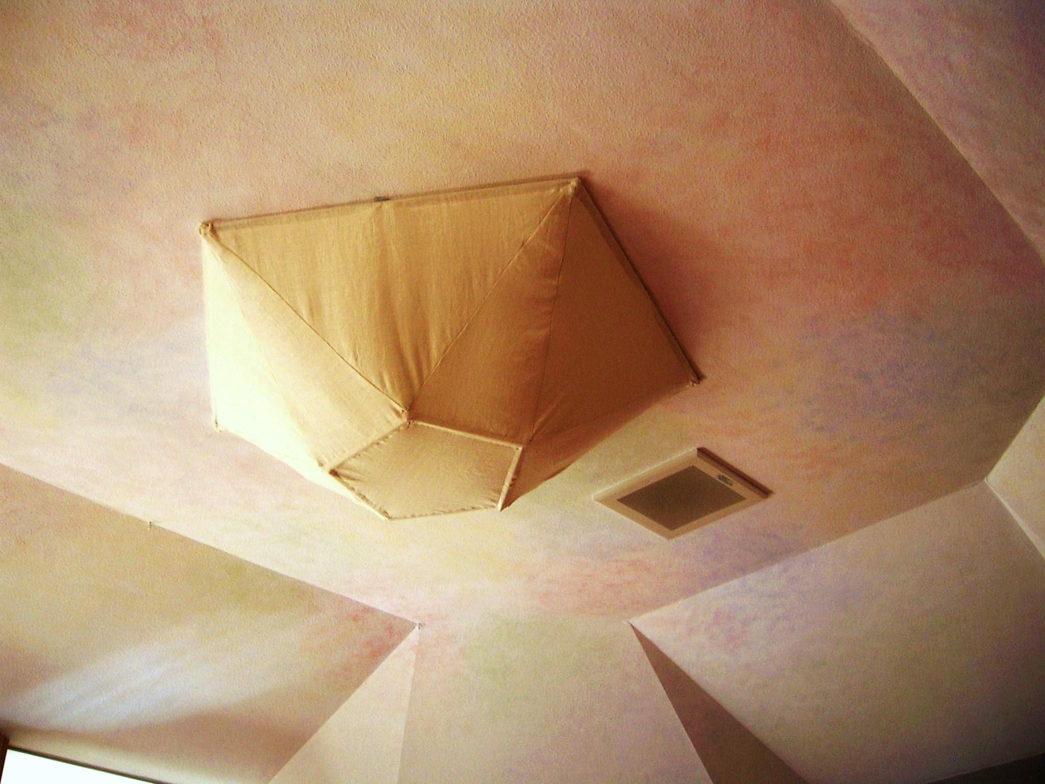 遊戯室照明・天井の色