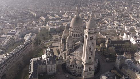 prise de vue aerienne drone Montmartre et basilique Sacré Coeur paris