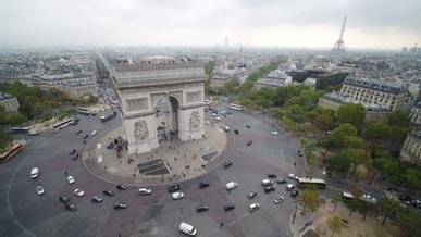 prise de vue arc du triomphe drone