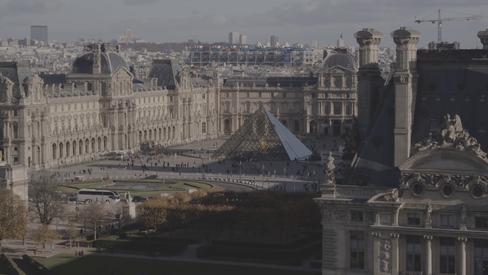 prise de vue drone musée du Louvre Paris