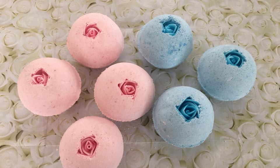 Paper Rose Bath Bomb