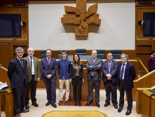 Conferencia de Roberto Bernales en el Parlamento Vasco sobre Federalismo Fiscal